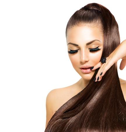 Schoonheid mode meisje met lang haar Trendy kaviaar zwarte manicure Stockfoto