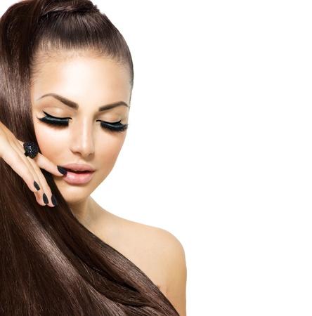 Beauty Fashion Mädchen mit langen Haaren Trendy Caviar Black Manicure Standard-Bild - 20783985