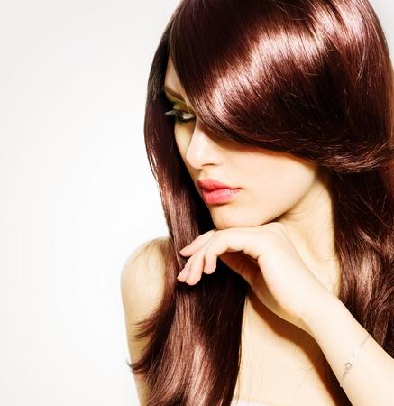 髪健康の長い茶色の髪と美しいブルネットの少女 写真素材 - 20793593