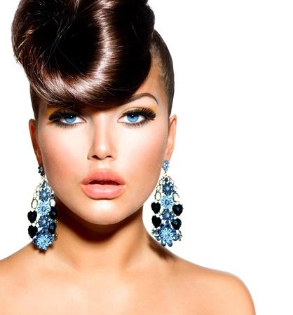 moda: Model Portret Fashion Girl with Blue Eyes fryzurę Kreatywne