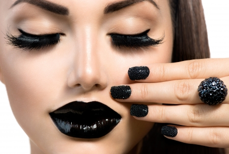 black makeup: Beauty Fashion Girl with Trendy Caviar Black Manicure and Makeup