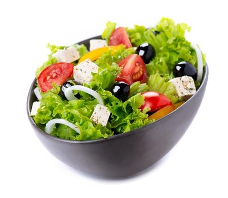 ensalada verde: Ensalada griega con queso feta, tomates y aceitunas