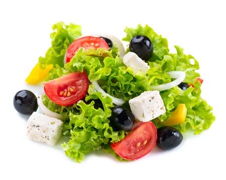 ギリシャ風サラダ、フェタチーズ、トマトとオリーブ添え