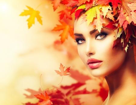 Autumn Woman Portrait  Beauty Fashion Model Girl Banco de Imagens - 21976990