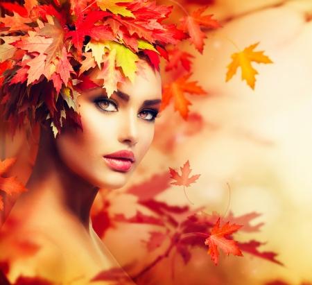 美女: 秋季女人肖像美容時尚型女
