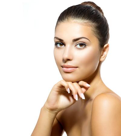 spas: Gesicht der jungen Frau mit Clean Frische Haut Hautpflege