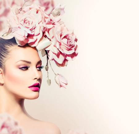 Moda Bellezza Modello Ragazza con i fiori Sposa Capelli Archivio Fotografico - 22559248