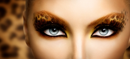 modelos negras: Modelo Fashion Beauty Girl con Holiday leopardo maquillaje Foto de archivo