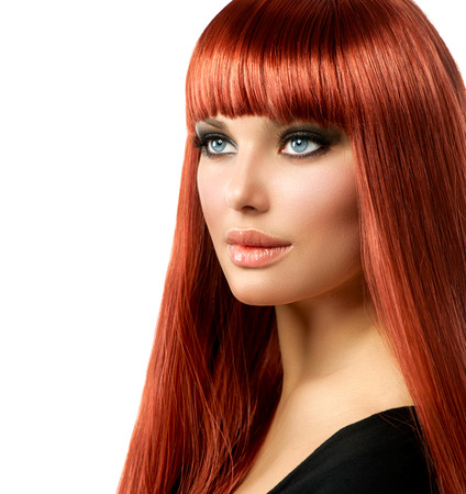 rot: Sexy Frau mit dem langen glänzenden Haar gerade rote Isoliert auf Weiß Sexy Frau mit dem langen glänzenden Haar gerade rote Isoliert auf Weiß