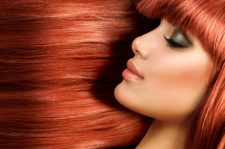jengibre: Sana larga recta del pelo Pelo Rojo Modelo Girl Portrait Foto de archivo