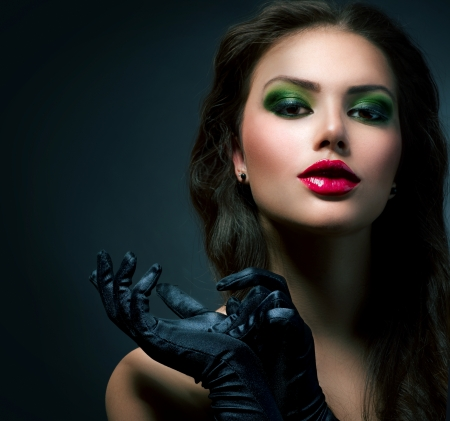 eyeshadow: Beauty Fashion Glamour Girl  Vintage Style Model Wearing Gloves