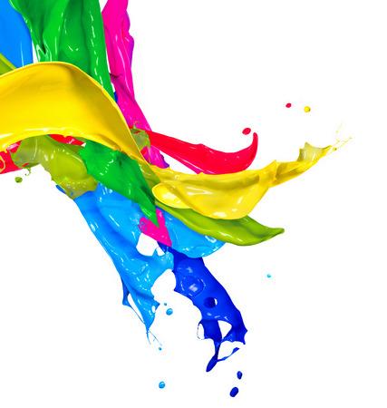 화이트 추상 튀는에 격리 된 다채로운 페인트 밝아진