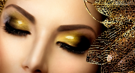 Fashion Glamour Make-up Holiday Gold Glittering Oogschaduw Stockfoto