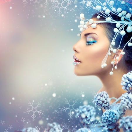 冬の美しさの女性クリスマスの女の子の化粧
