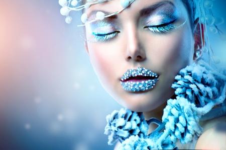 ресницы: Зимняя красота женщины Рождество девушка макияж