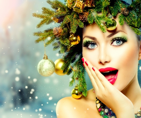 Christmas Woman  Christmas Tree Holiday Hairstyle and Makeup