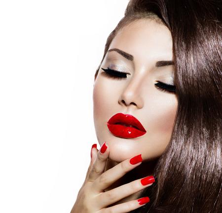 Sexy Schoonheid meisje met rode lippen en nagels Provocerende Makeup