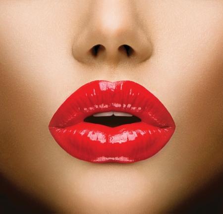 lip shine: Labbra sexy Bella Make-up Primo Bacio