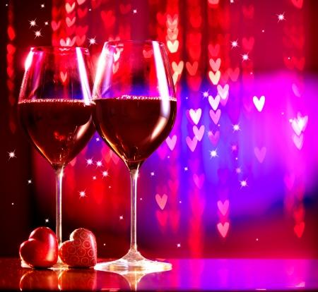 tag: Valentine s Day Feiern Zwei Gläser Rotwein Lizenzfreie Bilder