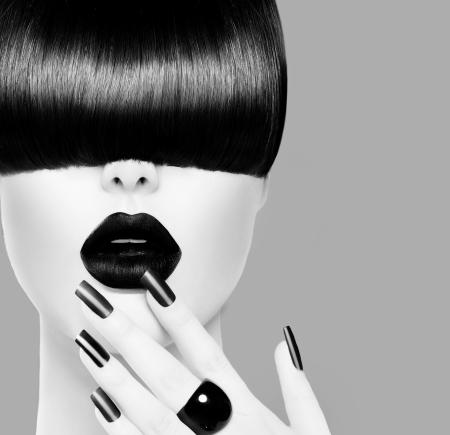long nail: Alta Moda Nero e Bianco Modello ritratto della ragazza