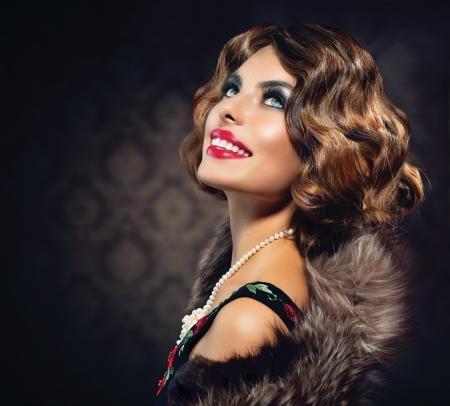 vintage: 復古的女人肖像復古風格照片 版權商用圖片