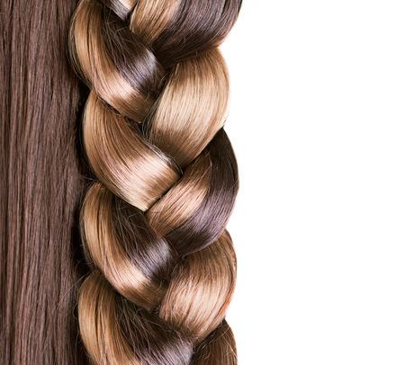 Braid Peinado el pelo marrón largo de cerca el pelo sano
