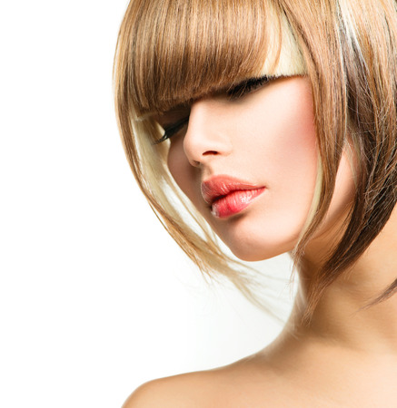 peluqueria: Hermosa mujer de la manera Peinado para Short Fringe pelo Haircut