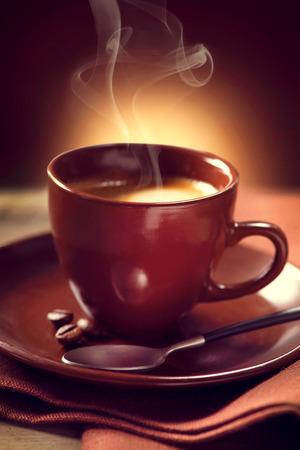 tazzina caff�: Caff� tazza di caff� alzato Espresso Archivio Fotografico