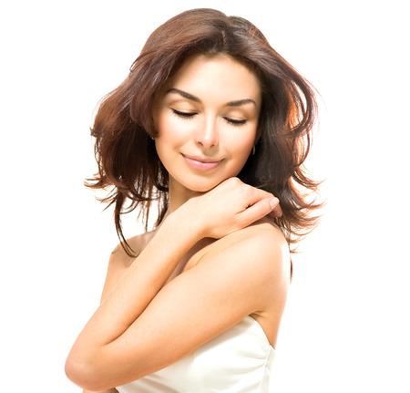 traitement: Femme de beauté Belle Jeune Femme de toucher sa peau