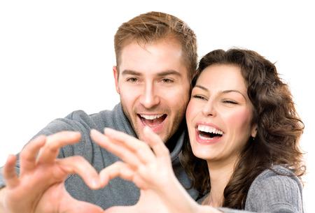 白い背景で隔離のバレンタイン カップル