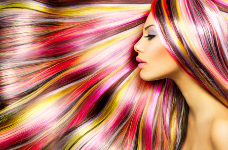 vibrant colors fun: Beauty Fashion Model Girl with Colorful Capelli tinti