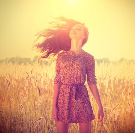 мода: Красота Романтический Девушка на открытом воздухе