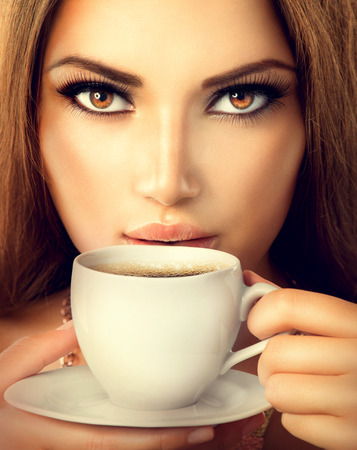 Kaffee Schöne Sexy Girl Trinken Tee oder Kaffee