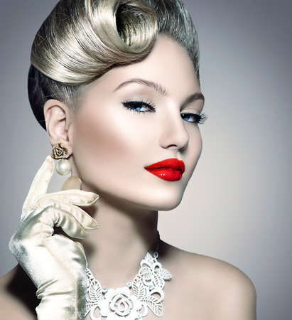 makeup: Beauty retro woman with perfect makeup and hairstyle Stock Photo