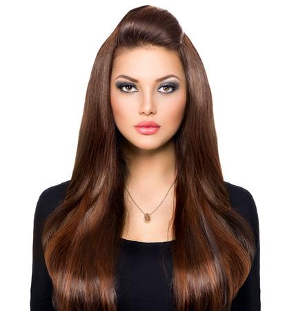 hosszú haj: Szépség lány nézett kamera Hosszú és fényes barna haj