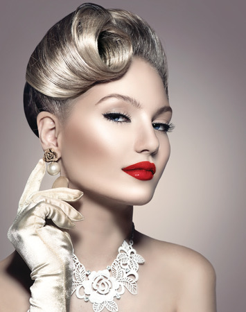 jewelleries: Retro Styled Beauty Lady Portrait