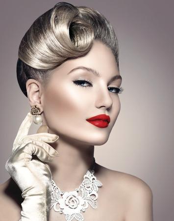 denominado retro: Retro Styled Lady Beauty Portrait