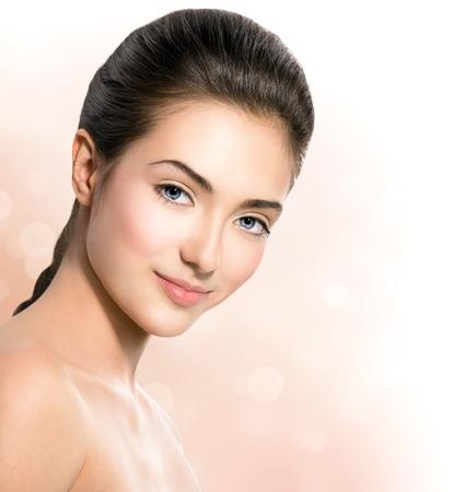 Spa flicka Naturlig skönhet tonåring modell flicka ansikte närbild Stockfoto