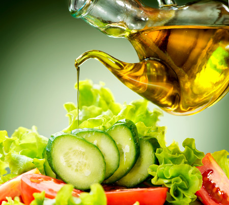 food dressing: Healthy Vegetable Salad with Olive Oil Dressing