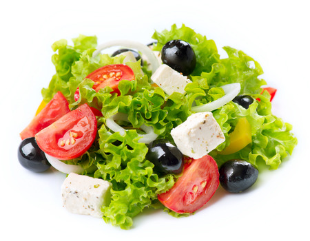 Griekse Salade geïsoleerd op een witte achtergrond Stockfoto