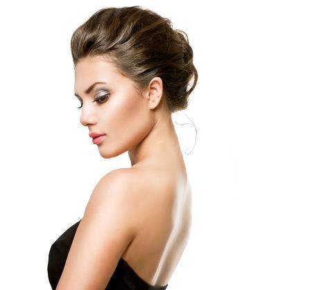 Vacker ung kvinna med Clean Fresh Skin