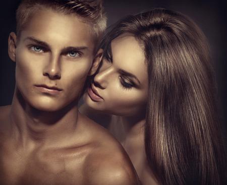 Beautiful sexy Paar posieren zusammen