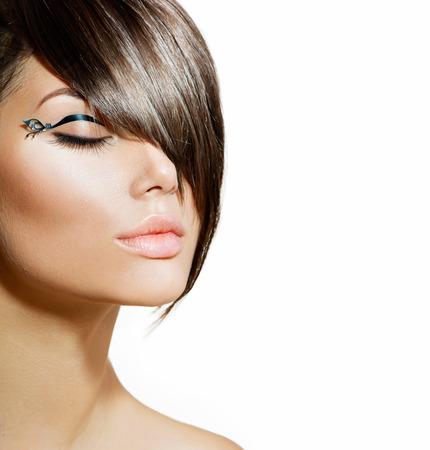 Moda Glamour Girl Beauty Com penteado à moda e maquiagem