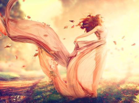 freiheit: Herbst Phantasie Mädchen, Fee in weht Chiffon-Kleid