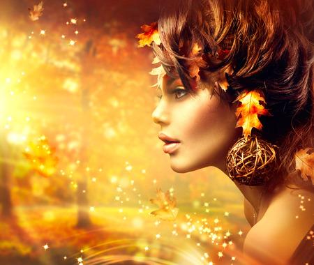 ファッション: 秋の女性のファンタジー ファッション肖像画。秋