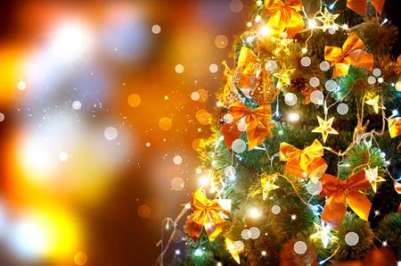 christmas design: Kerstvakantie knipperende achtergrond. Versierde kerstboom