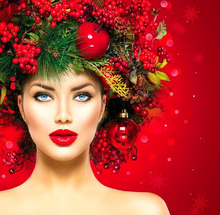 beauty salon: Christmas fashion model woman. Xmas hairstyle and makeup