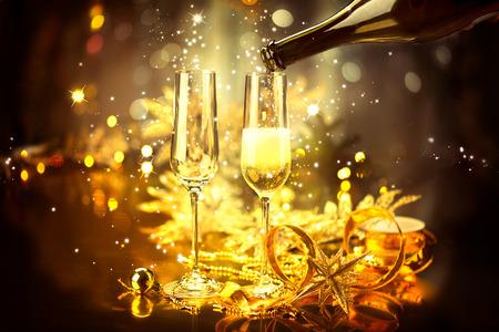 nouvel an: Célébration du Nouvel An avec du champagne Banque d'images