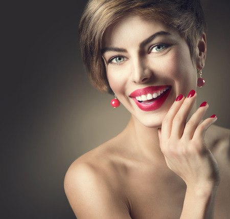 lips close up: Happy smiling lady with shot brown hair and bright make-up