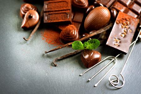 praline: Chocolade assortiment. Praline chocolade snoepjes